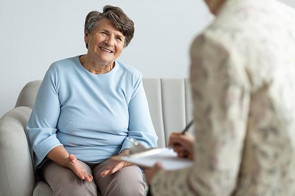 Pomagamy osobom starszym