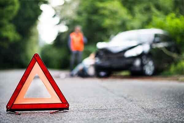 Wypadek samochodowy i śmierć bliskiej osoby – kiedy przysługuje odszkodowanie?